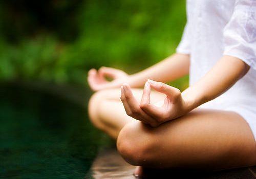 menguatkan aura dengan meditasi